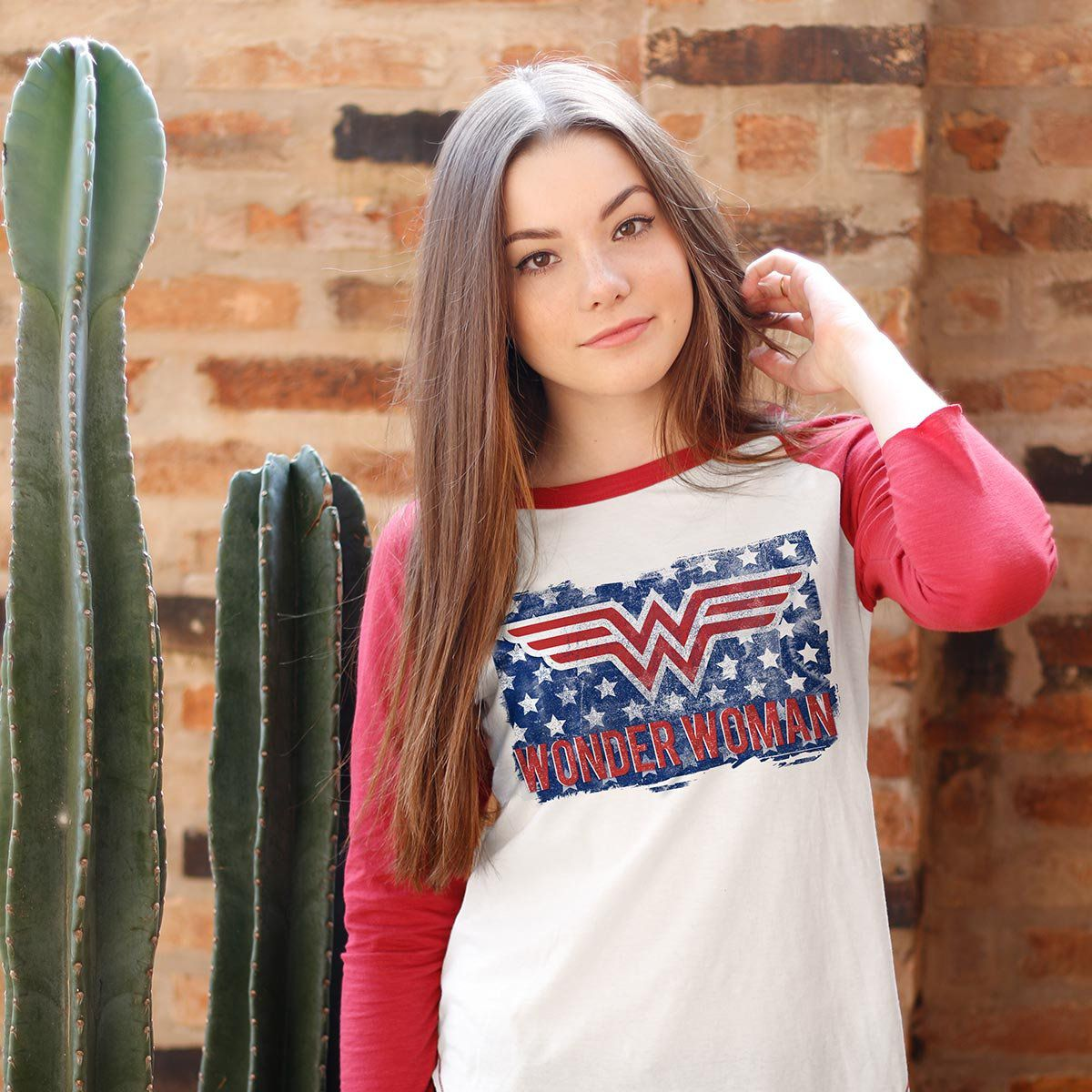 Camiseta Raglan Feminina Wonder Woman Flag  - bandUP Store Marketplace