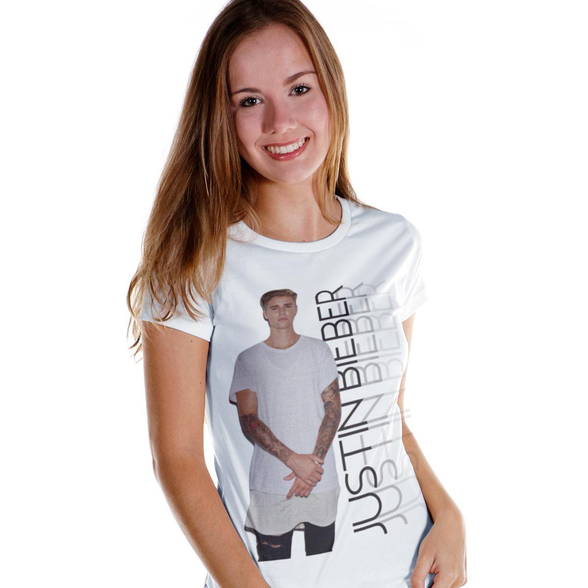 Camiseta Feminina Justin Bieber Standing Photo  - bandUP Store Marketplace