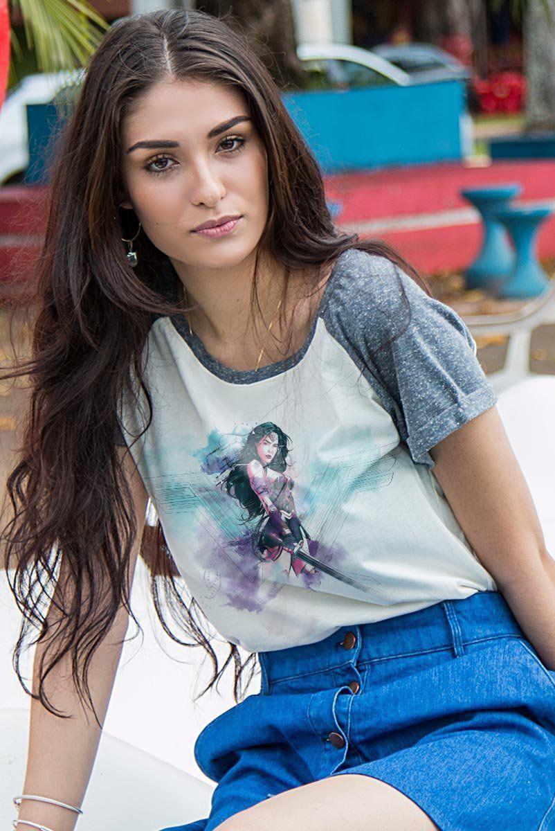 Camiseta Raglan Feminina Wonder Woman Watercolor  - bandUP Store Marketplace