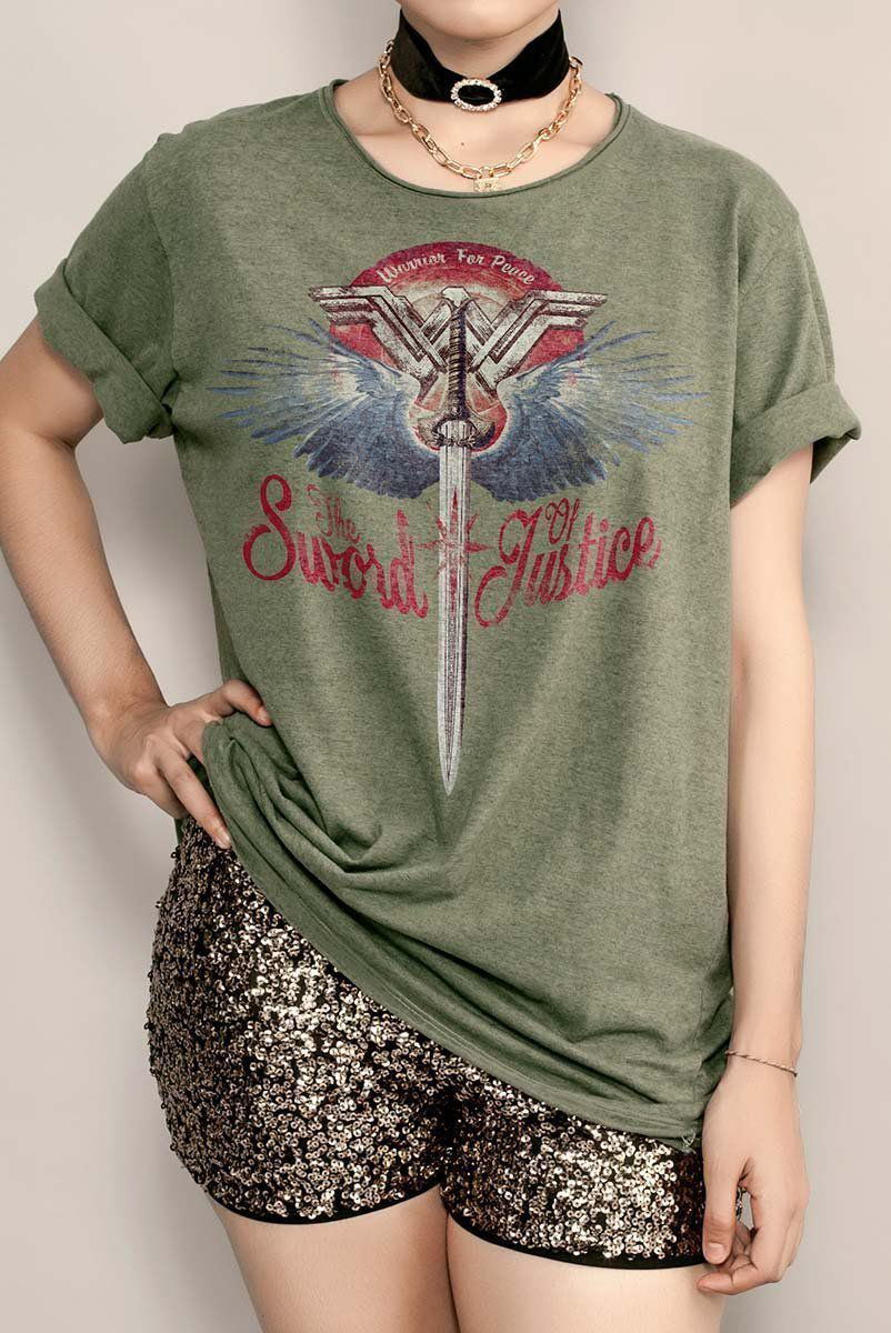 T-shirt Feminina Wonder Woman The Sword of Justice  - bandUP Store Marketplace