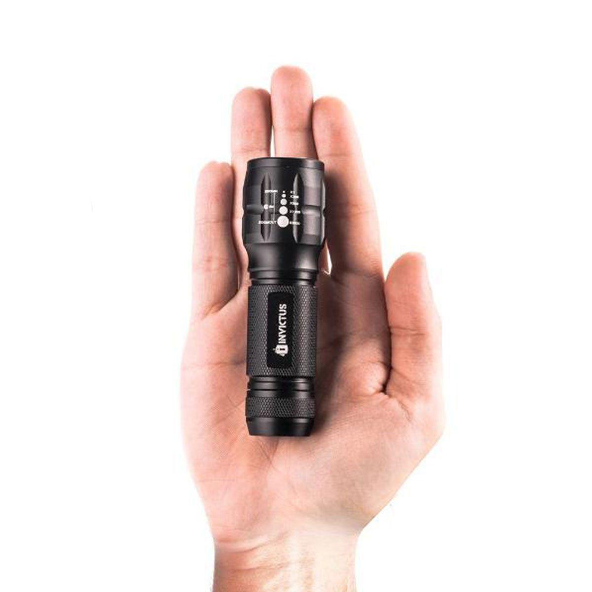 Lanterna Tática Invictus One 80 Lumens