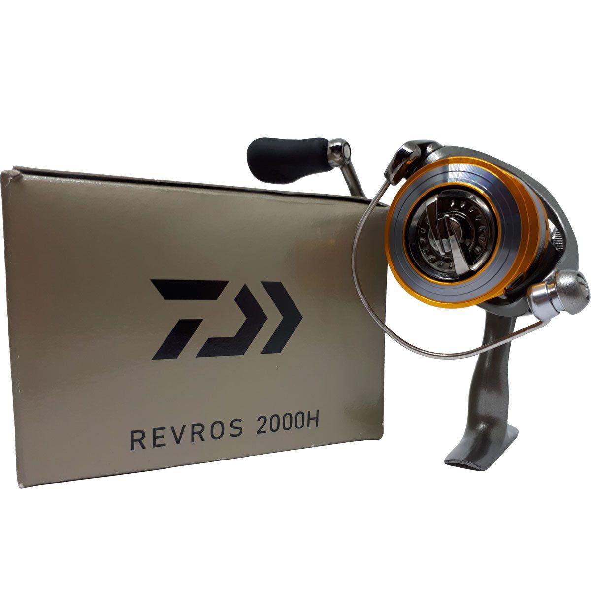 Molinete Daiwa Revros REV2000H Fricção Diant 8 Rols