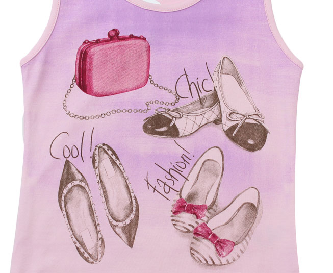 Camiseta Feminina Regata com Detalhe de Calçados Roxo Kaiani