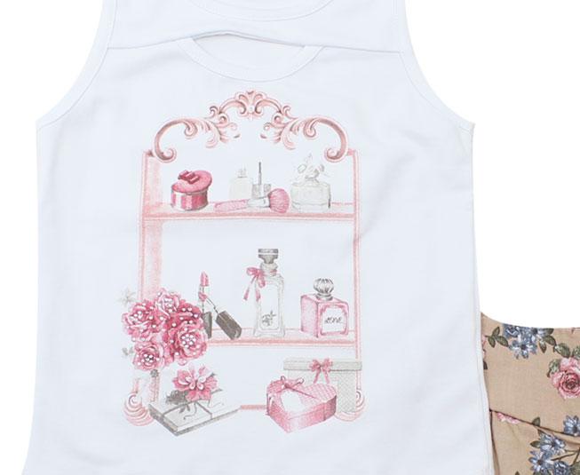 Conjunto Feminino Camiseta Regata com Estampa de Acessórios Femininos + Short Florido Kaiani