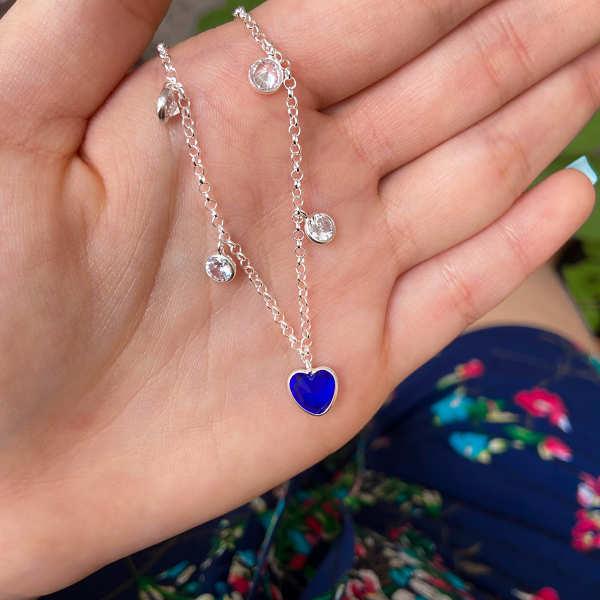 Colar Choker Coração Azul e Pontos de Luz