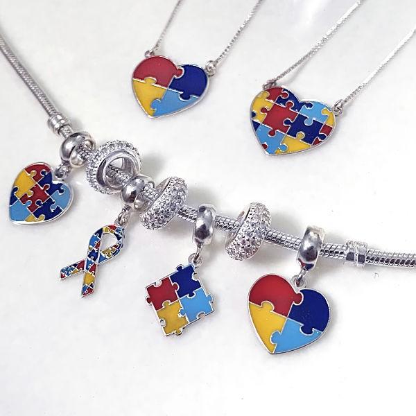 Colar Coração Quebra-cabeça com Símbolo do Autismo