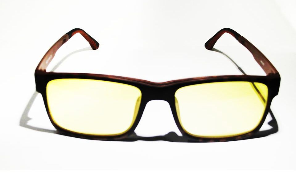 6bc94d84037ef Armação Oculos Grau Com 2 Clip On MC3227 C2 Preto Marrom Polarizado ...