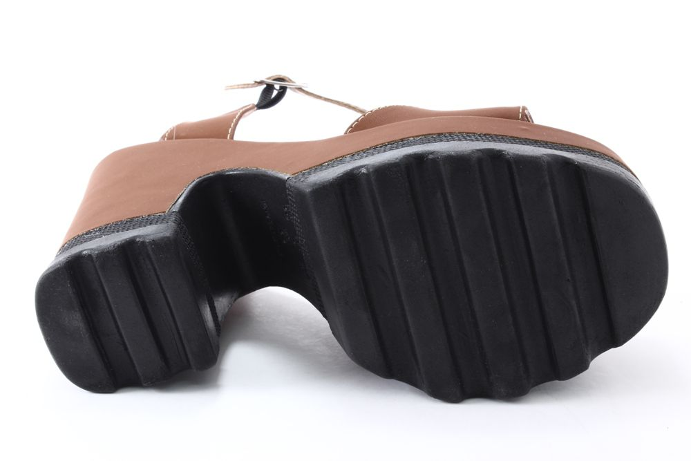 Sandália D´Cabral Plataforma Tratorado Salto Grosso Feminino  - Ian Calçados