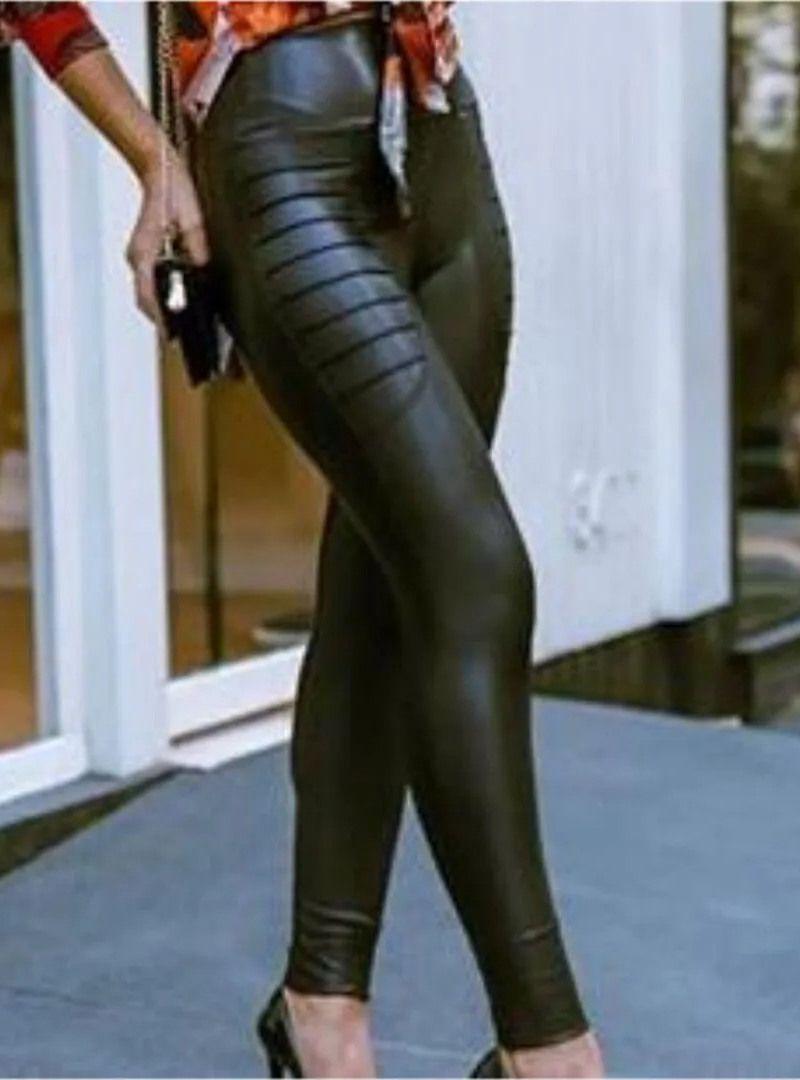 Calça Skinny Cirrê Nervurada - Joana Preta