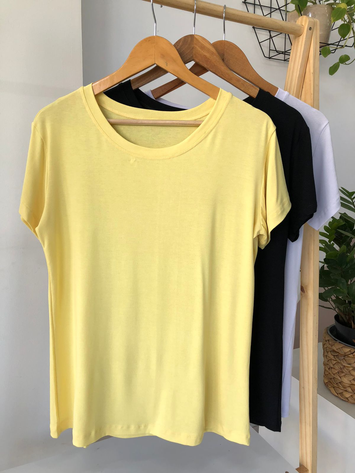 Camiseta Básica Viscolycra Plus Size  - Renata