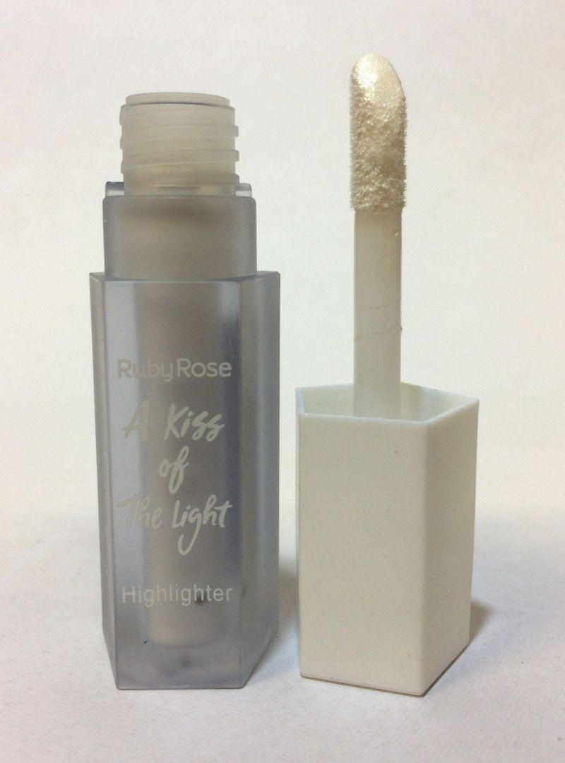 Iluminador Líquido A Kiss Of The Light - Ruby Rose