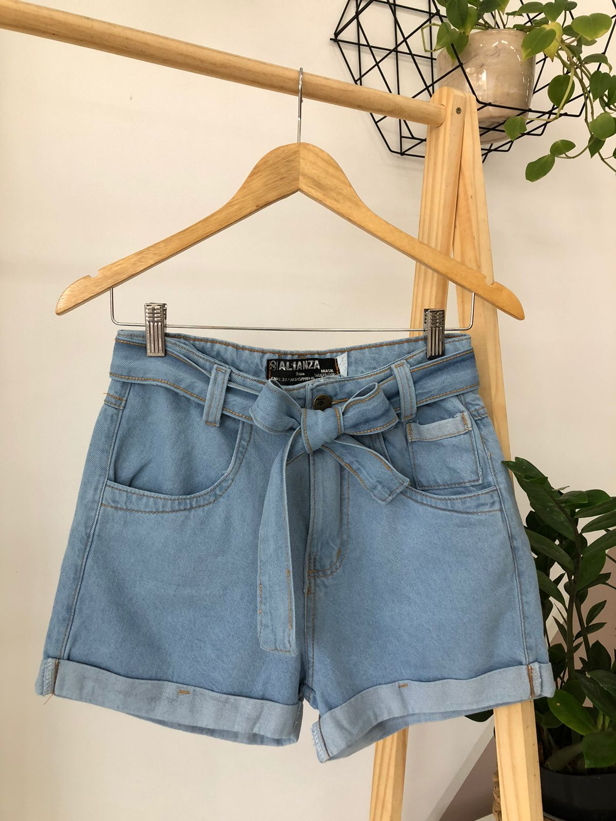 Shorts Jeans Cinto Básico - Patricia