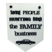Placa Decorativa Sobrenatural (Supernatural) Saving People Hunting Things The Family Business