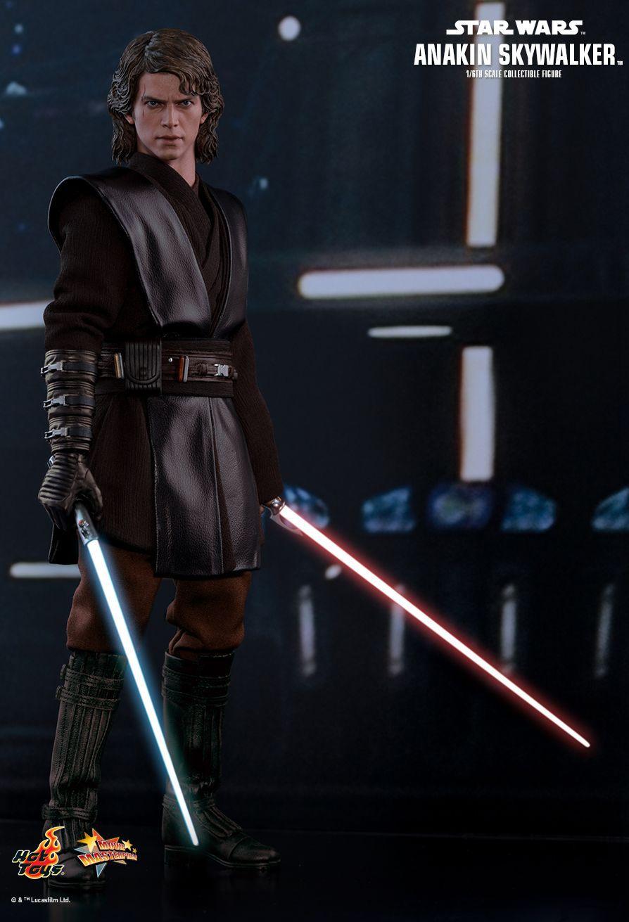 Action Figure Anakin Skywalker: Star Wars Episódio III A Vingança Dos Sith (Star Wars Episode III Revenge of the Sith) Boneco Colecinoável (MMS437) - Hot Toys