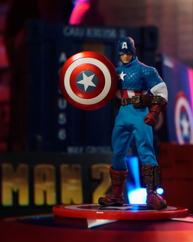 Action Figure Capitão América Captain America: Marvel One:12 Collective Escala 1/12 - Mezco Toyz