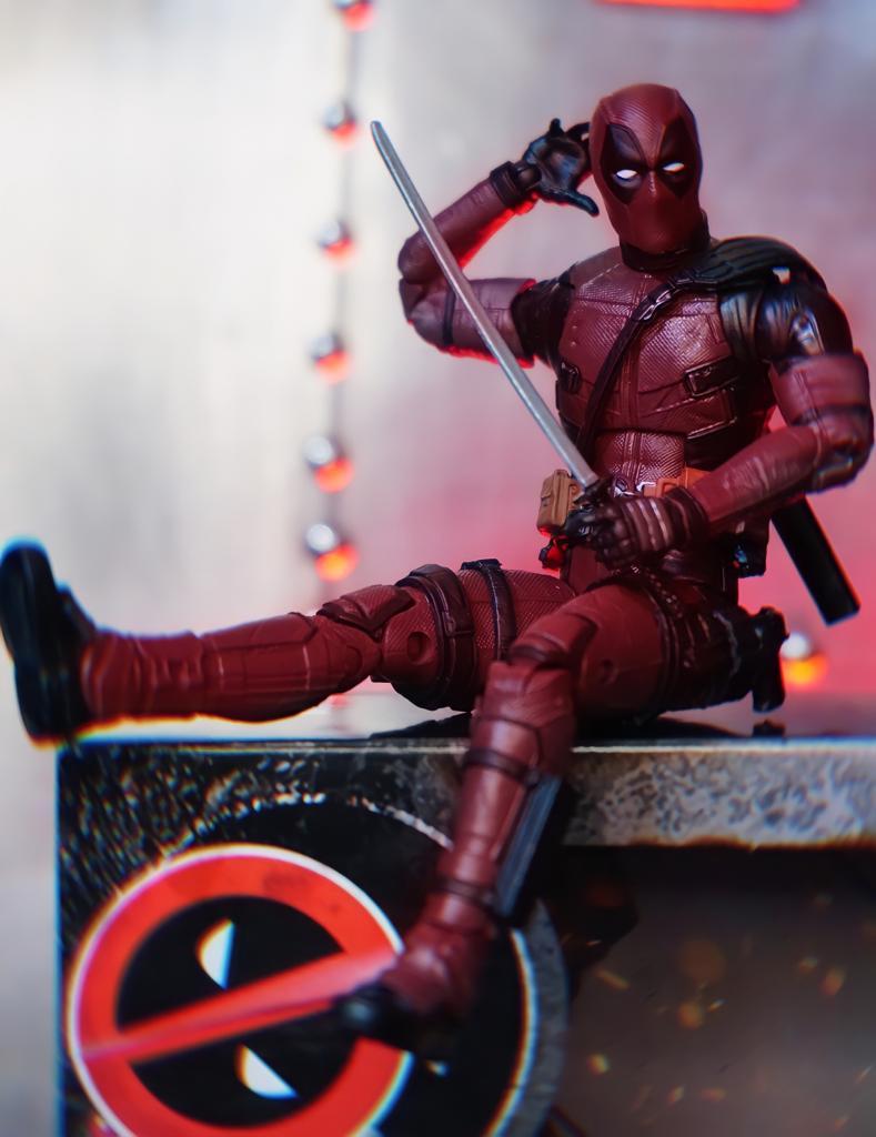 Action Figure Deadpool: Marvel Legends Series F0210 - Hasbro