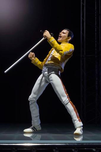 Action Figure Freddie Mercury Queen - Live Aid Version S.H. Figuarts - Bandai