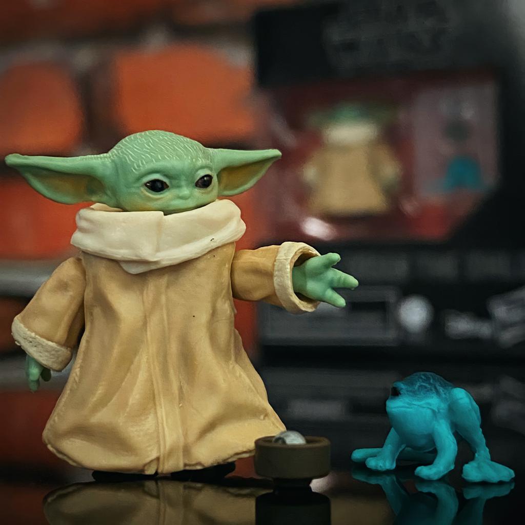Action Figure Grogu ''Baby Yoda'' (The Child): The Mandaloria (Star Wars) The Black Series F1203 (Boneco Colecionável) - Hasbro