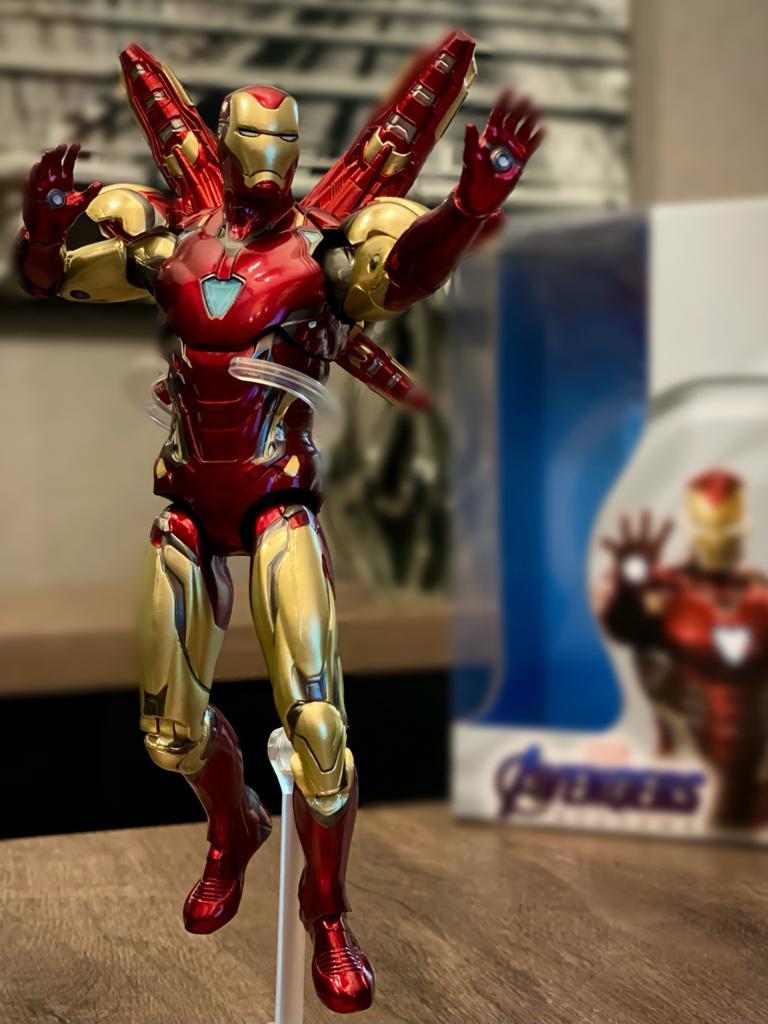 Action Figure Homem de Ferro Iron Man Vingadores Ultimato - Middle Moving Toys