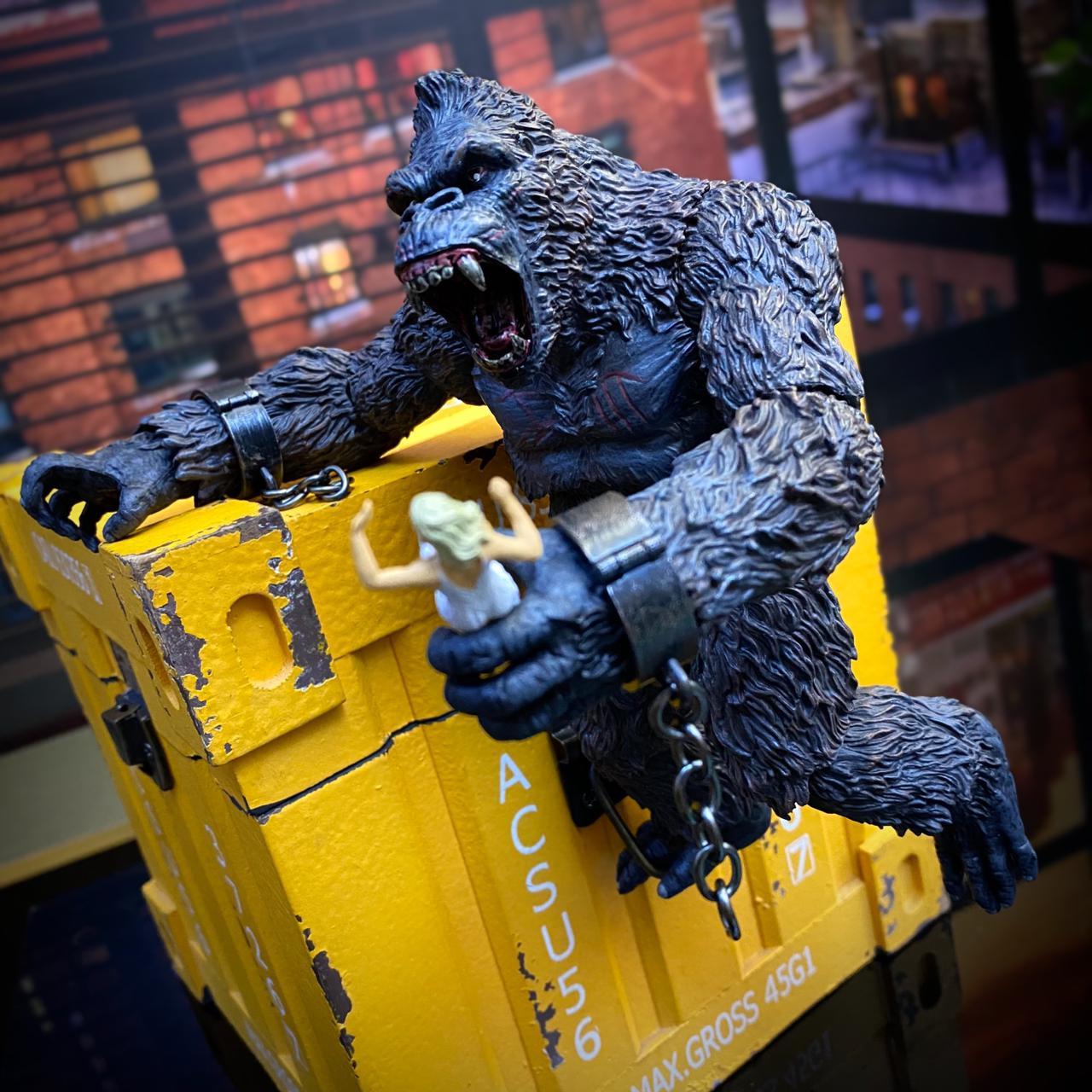 Action Figure King Kong Ilha da Caveira Skull Island - Mezco Toys - EVALI