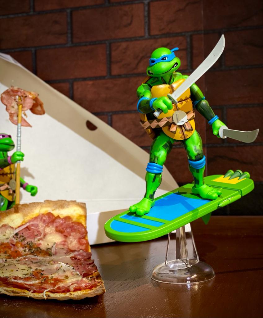 Action Figure Leonardo: As Tartarugas Ninja Teenage Mutant Ninja Turtles: Turtles in Time - Neca