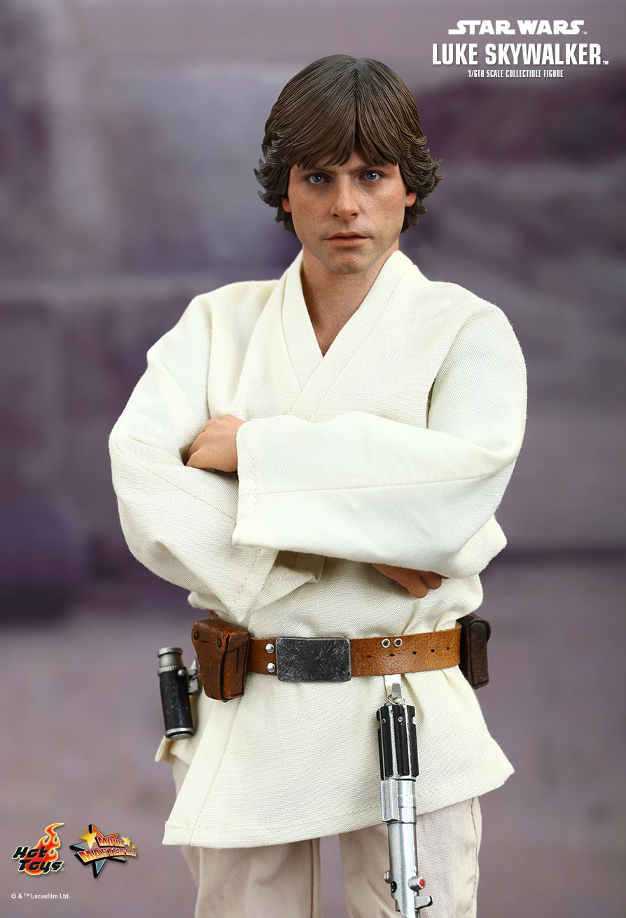Action Figure Luke Skywalker: Star Wars Uma Nova Esperança (A New Hope) MMS297 (Escala 1/6) - Hot Toys (USADO E SEM CAIXA)