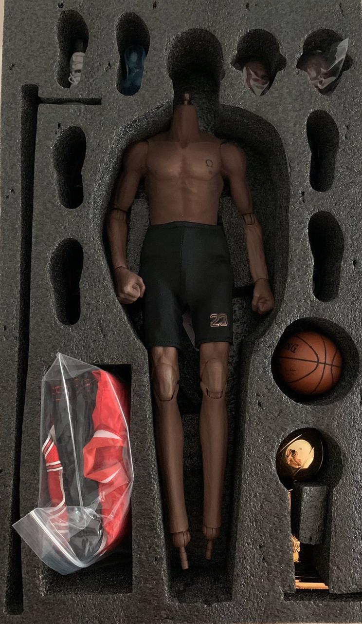 Action Figure Michael Jordan Chicago Bulls: NBA Escala 1/6 - The One