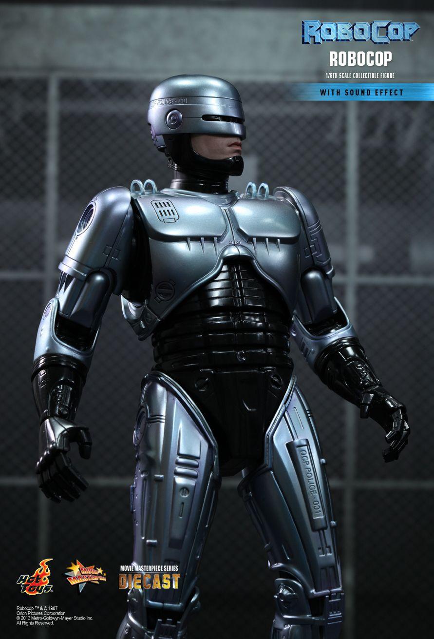 Action Figure RoboCop: RoboCop Escala 1/6 (MMS202D04) Boneco Colecionável - Hot Toys (USADO E SEM CAIXA)