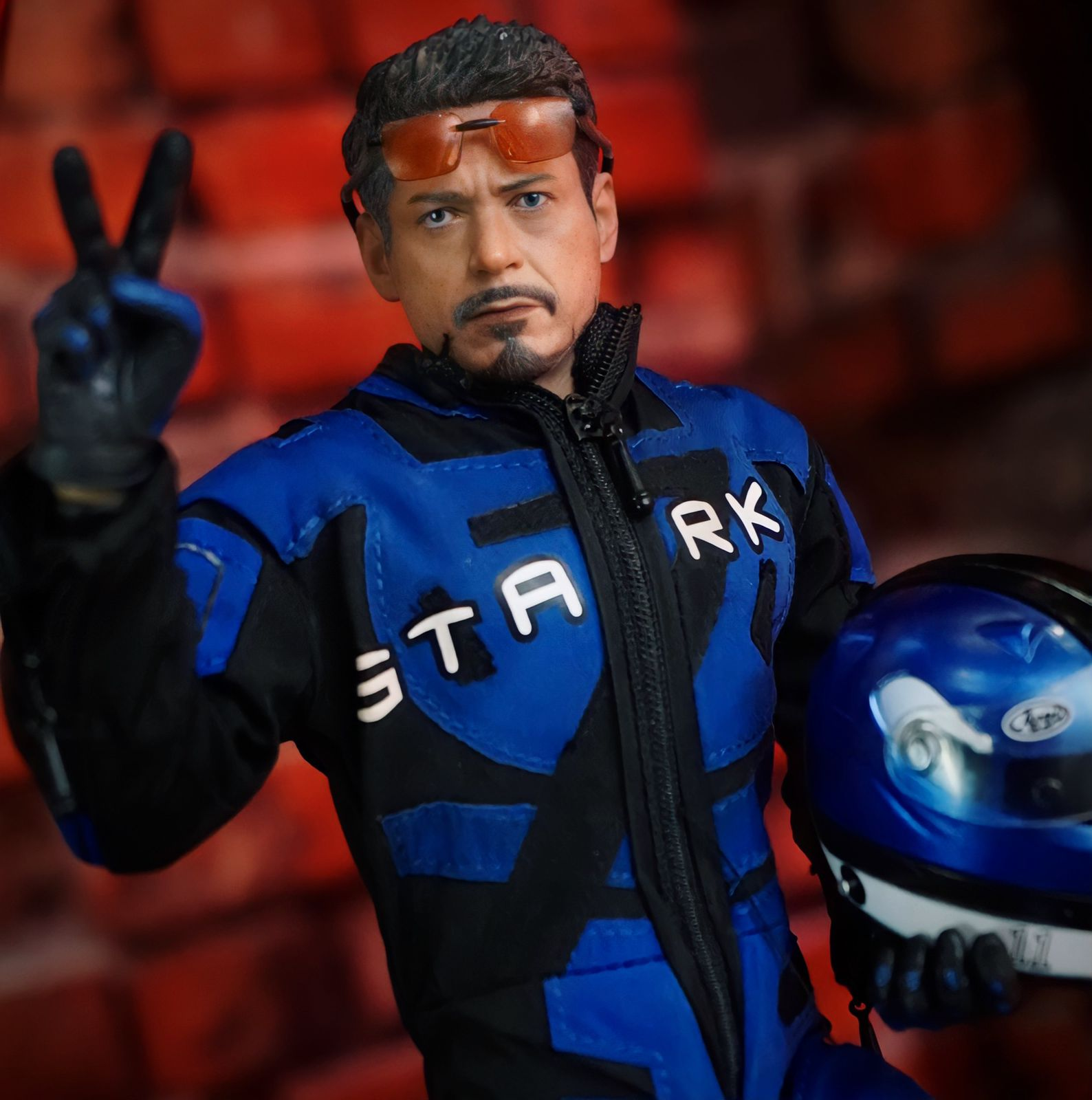 Action Figure Tony Stark Racing Car: Homem de Ferro 2 - Legend Creation