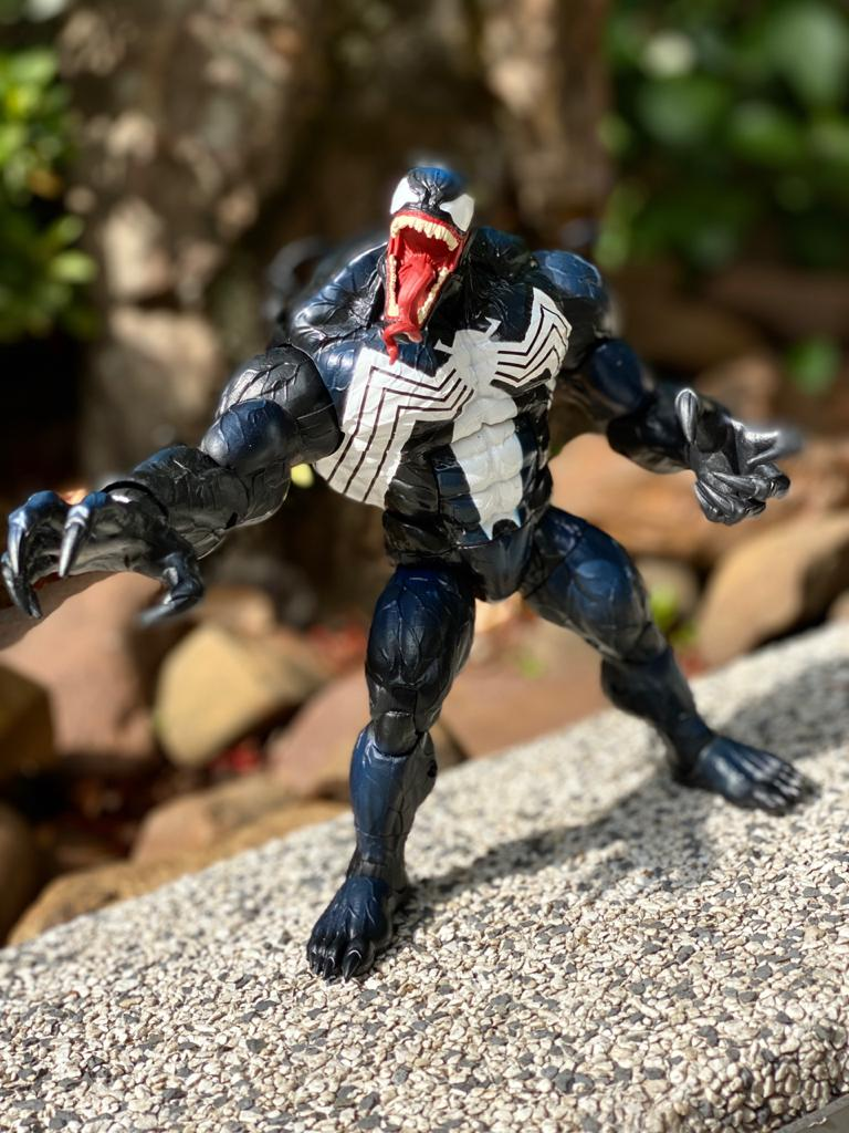 Action Figure Venom: Marvel Comics (Marvel Legends Series) Exclusivo - Hasbro