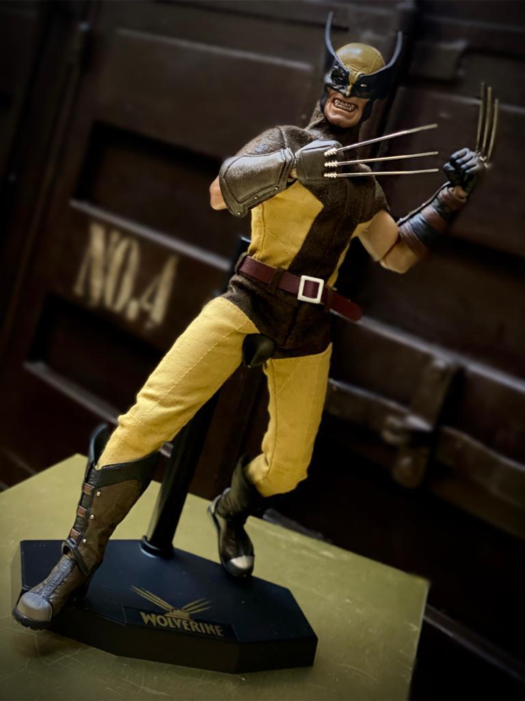 Action Figure Wolverine Classico Amarelo E Marrom X-Men Escala 1/6