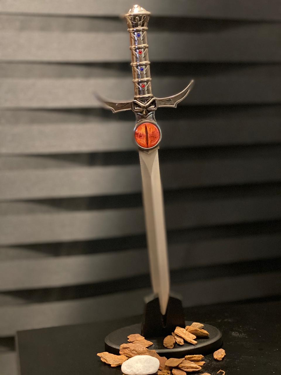 Adaga Espada Justiceira Lion-O: Thundercats Com Base (Versão 2)