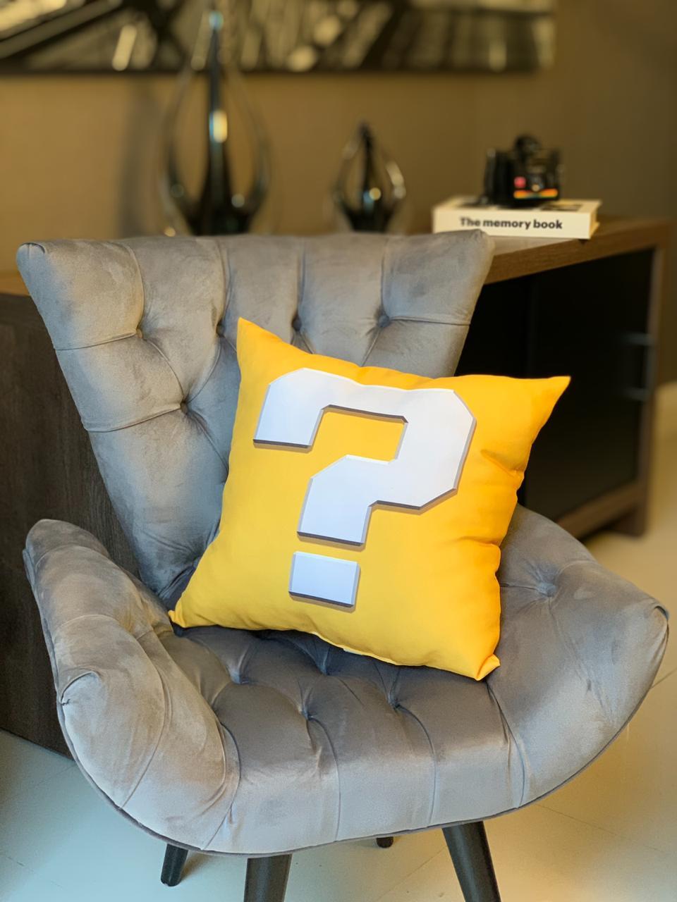 Almofada Games Bloco de Interrogação Amarelo: Super Mario Bros - SD