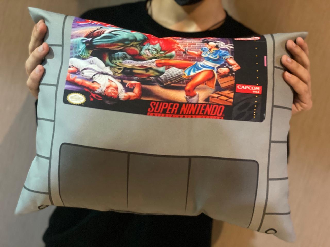 Almofada Games Street Fighter Cartucho SNES - SD