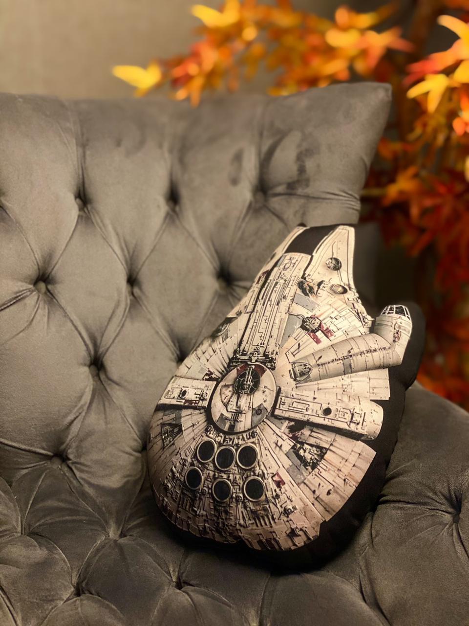 Almofada Geek Millennium Falcon: Star Wars