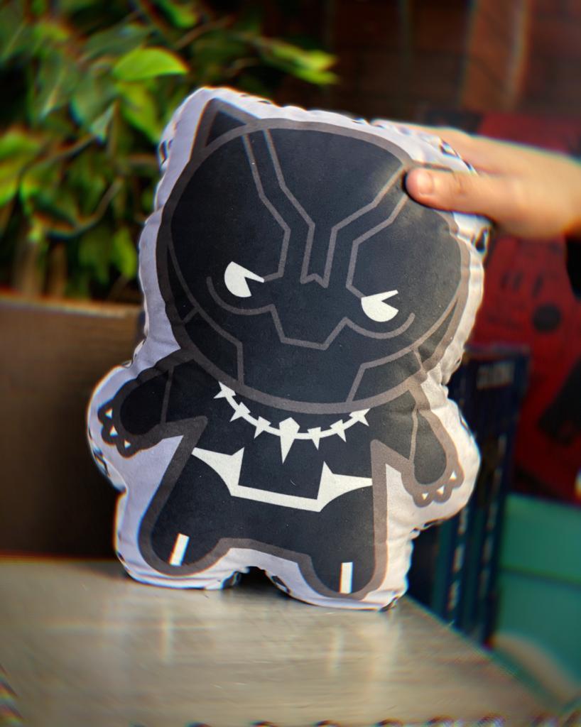 Almofada Geek Personagem Pantera Negra Black Panther: Vingadores Avengers Marvel