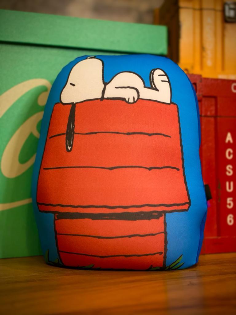 Almofada Geek Personagem Snoopy Dog House: Peanuts