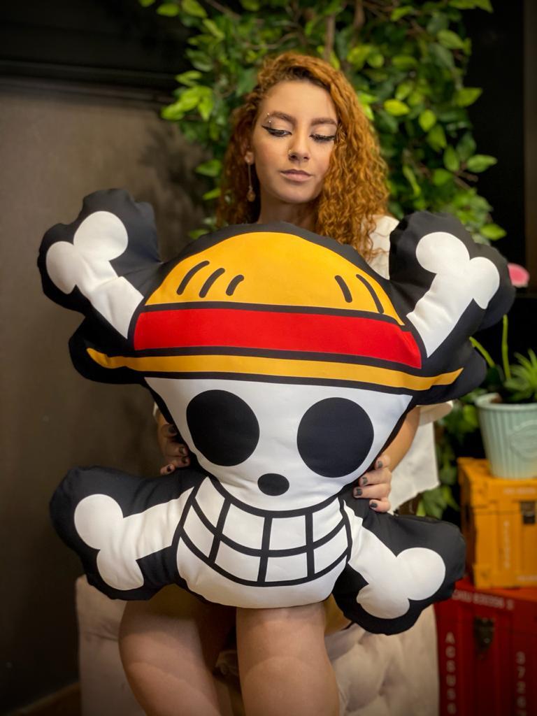 Almofada Jolly Roger Mugiwara: Bandeira Pirata Chapéu de Palha One Piece - Anime Mangá - EV