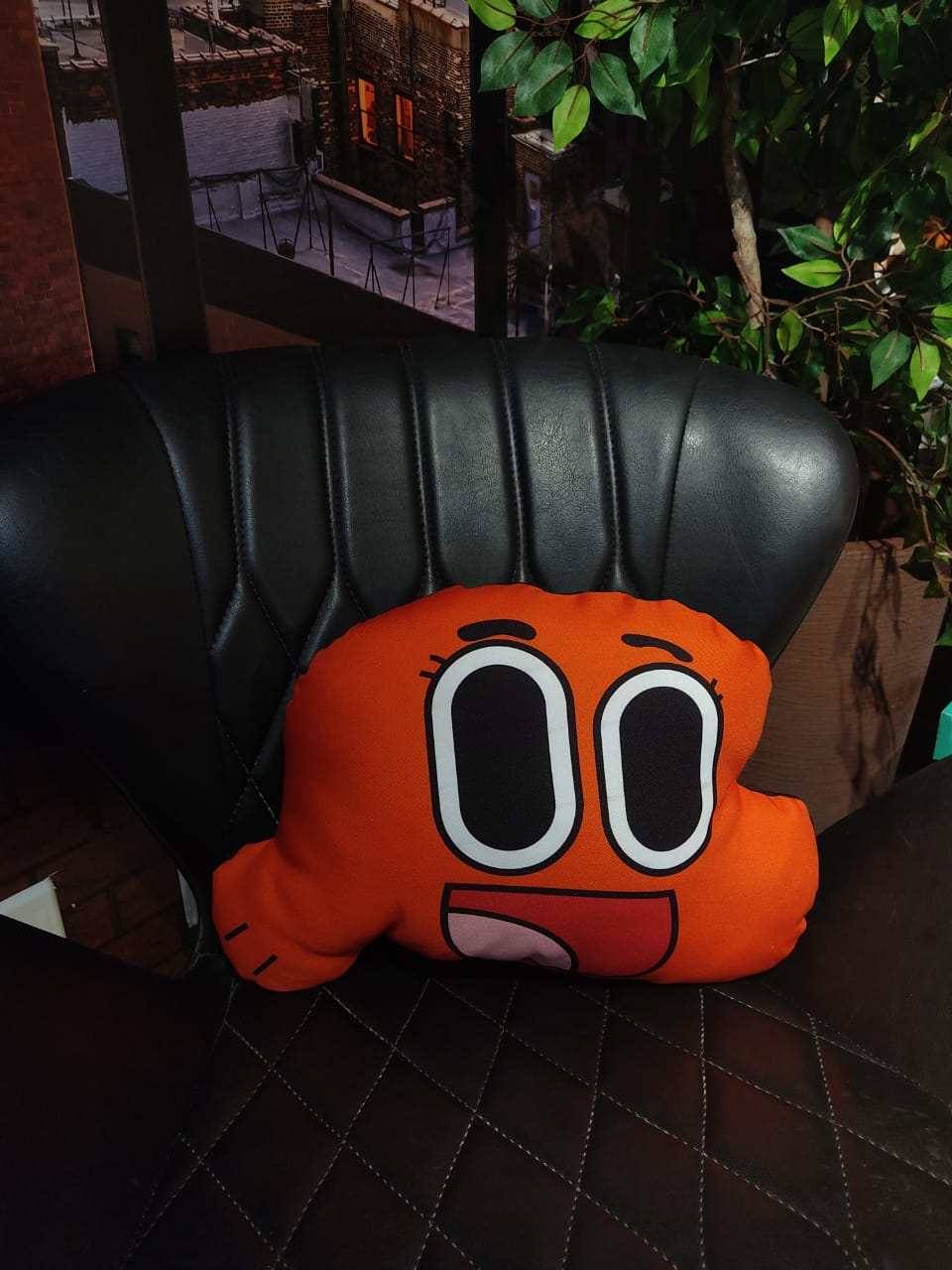 Almofada Rosto  do Darwin: O Incrivel Mundo De Gumball - Cartoon Network - Pequeno - 25cm