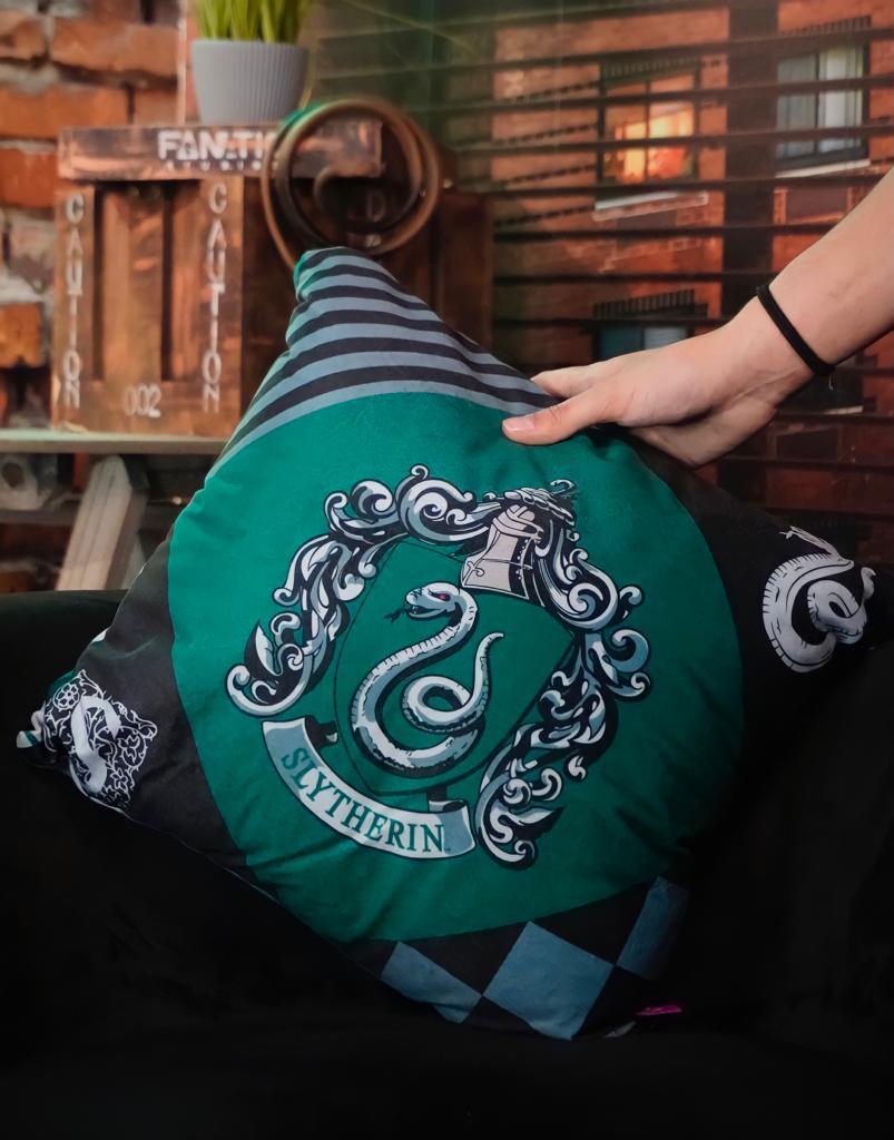Almofada Sonserina Slytherin Hogwarts: Harry Potter - Zona Criativa