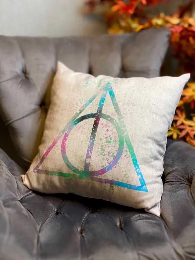 Almofada Triângulo Bruxo