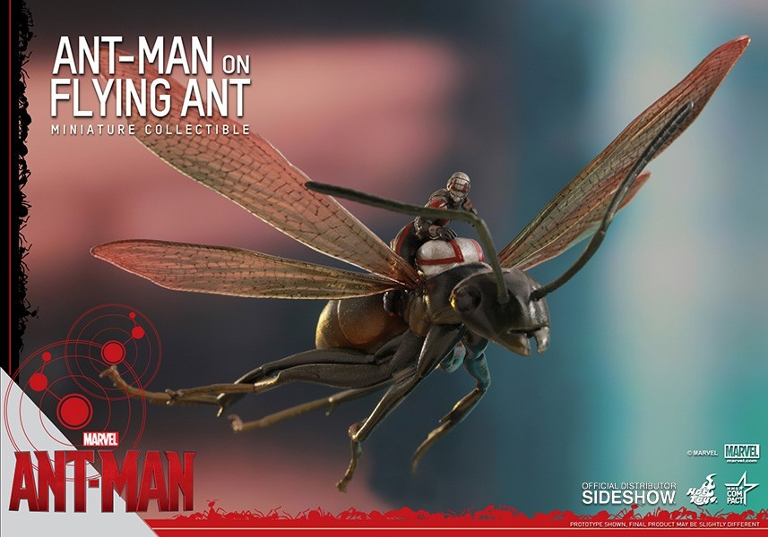 Action Figure Ant-Man (Homem-Formiga) on Flying Ant Miniature Collectible - Hot Toys