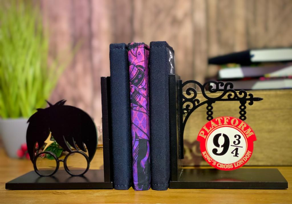 Porta Livro / Aparador de Livro 9 3/4 e Bruxo