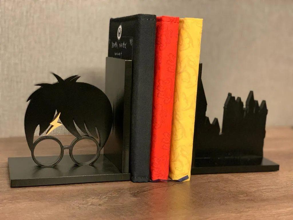Porta Livro / Aparador de Livro Bruxo
