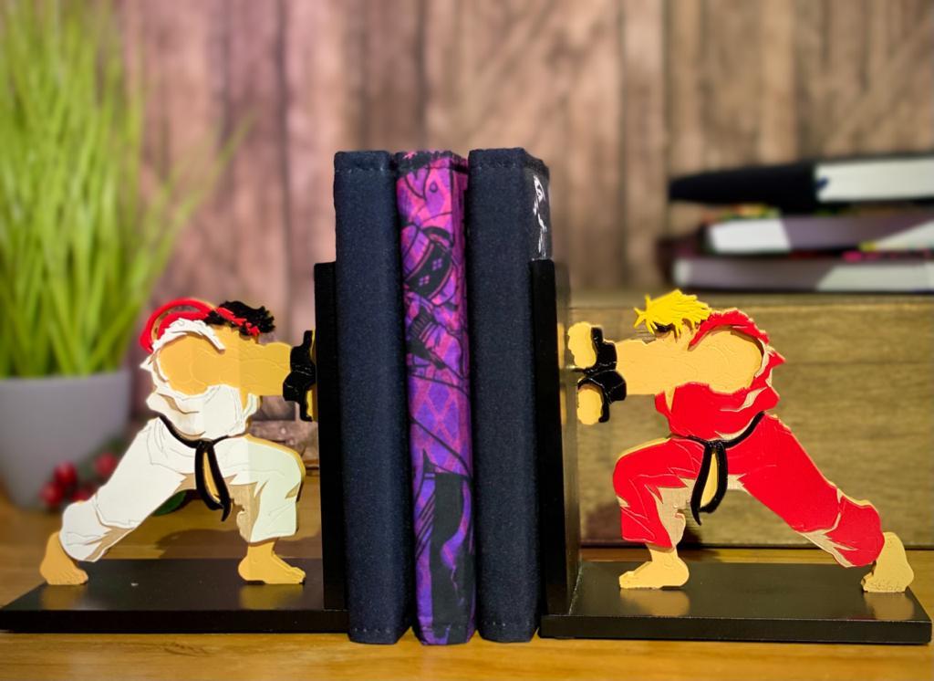 Porta Livro / Aparador de Livro Ken Vs. Ryu: Street Fighter - EV