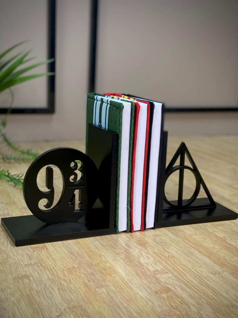 Aparador de livro Reliquias da Morte - 9 3/4 Preto: Harry Potter - Geton