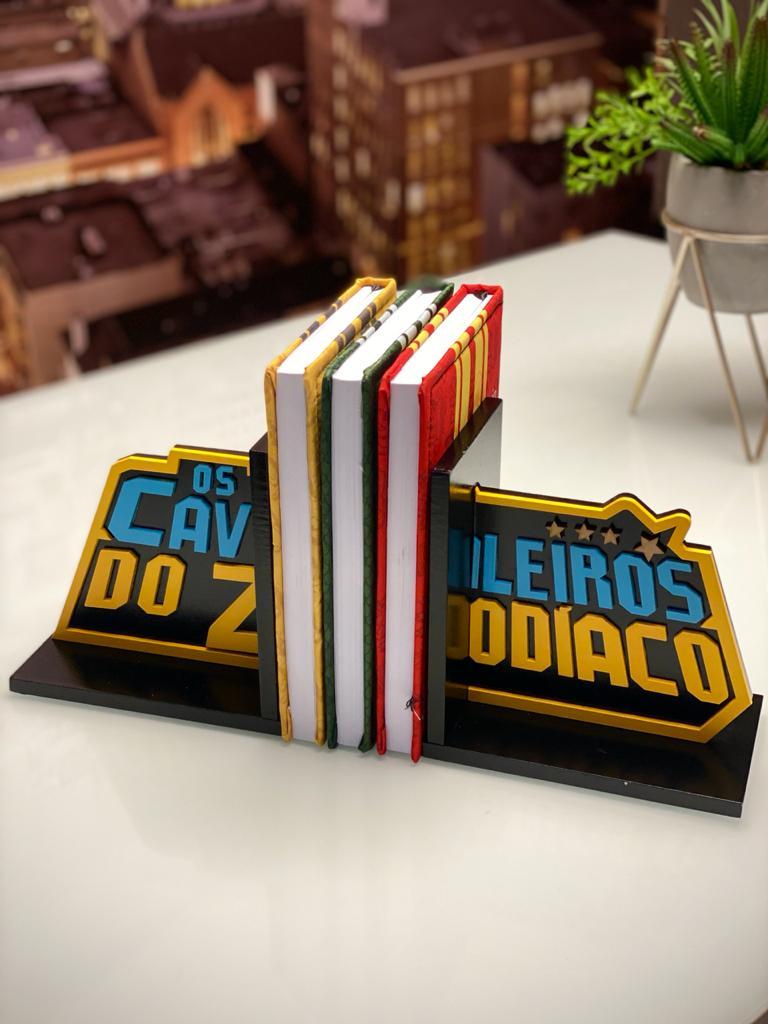 Aparador Porta Livro Cavaleiros dos Zodíaco Saint Seiya