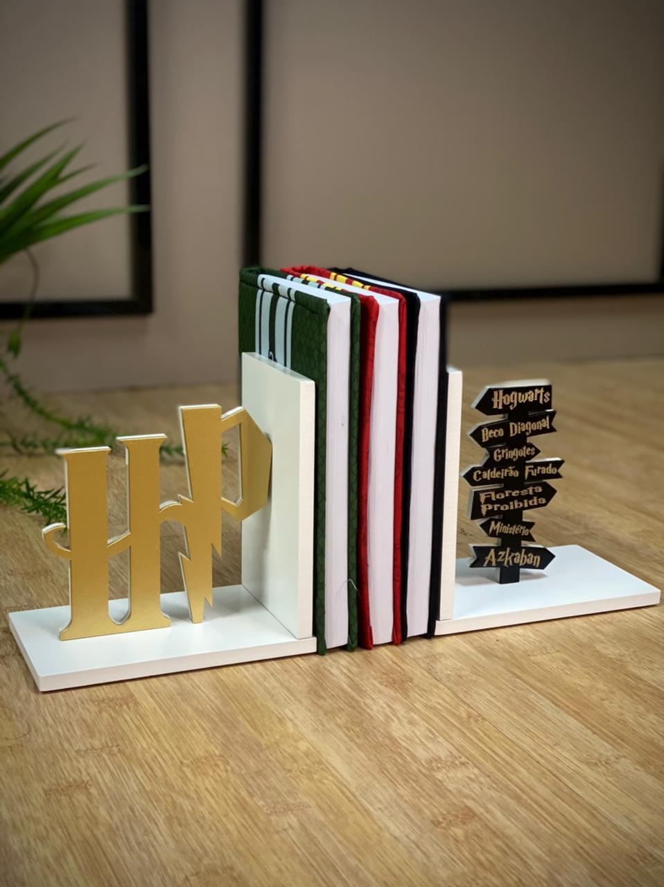 Aparador / Porta livro Placas: Harry Potter
