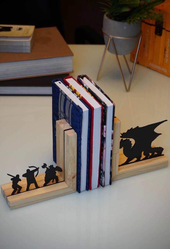 Aparador Porta Livros RPG D&D Dungeons e Dragons - EV
