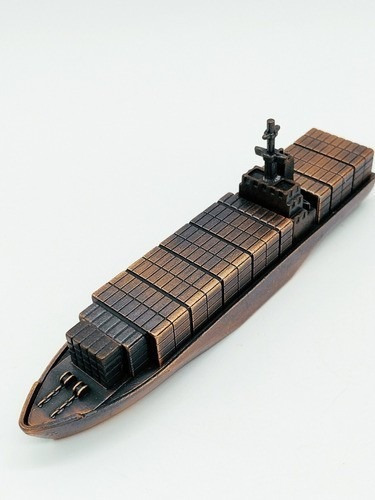 Apontador De Metal: Navio Cargueiro NO. 210